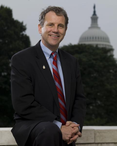 Populist Sherrod Brown Could Be the Perfect Dem for Trump Country